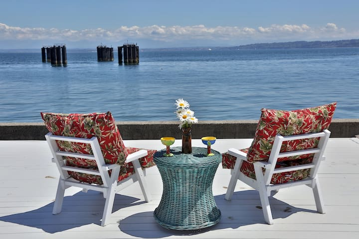 Whidbey Island Beach Paradise Home, Hot Tub, BBQ - Clinton