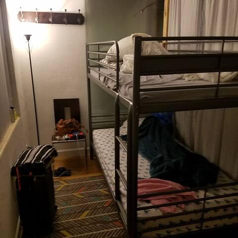 Semi private room on the beach. - Miami Beach - Bed & Breakfast