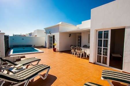 Fabulous central CT villa + heated pool! - Costa Teguise