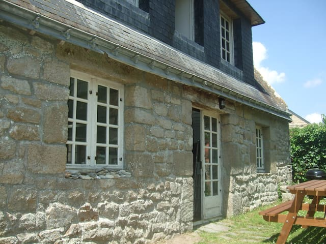 Detached stone cottage 700m from the beach - Plouhinec - House