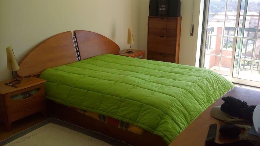 Quarto em Leiria - 24km de Fátima - Barreira - Apartment