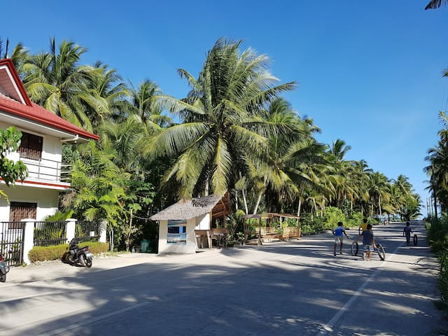 The way to malinao beach.