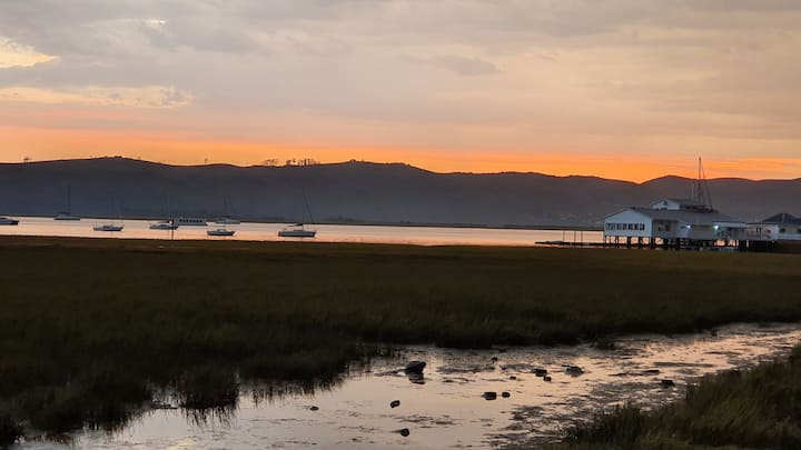 Luxury on lagoons edge Knysna Quays