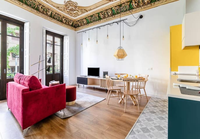 Historical apartment in the heart of GranadaMT