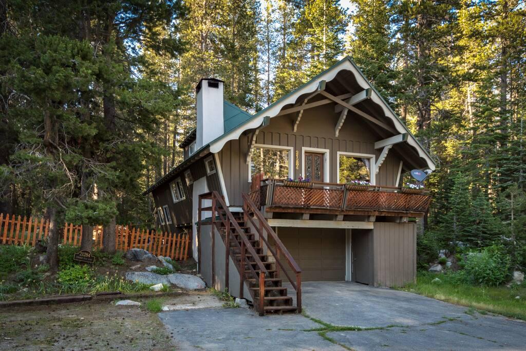 donner summit chalet maisons louer soda springs californie tats unis. Black Bedroom Furniture Sets. Home Design Ideas