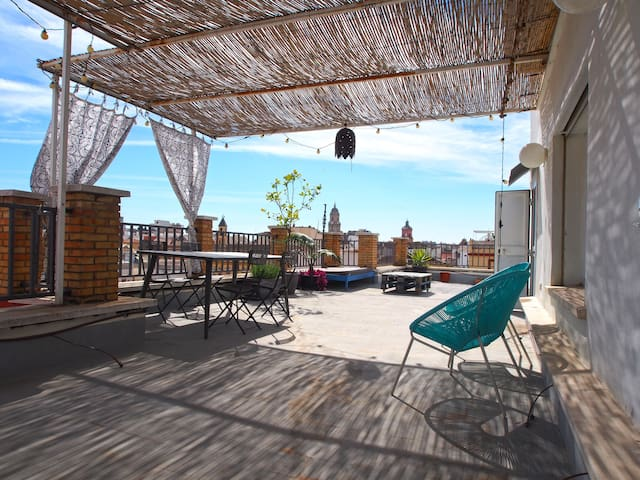Penthouse with huge private terrace and views - Malaga - Appartement