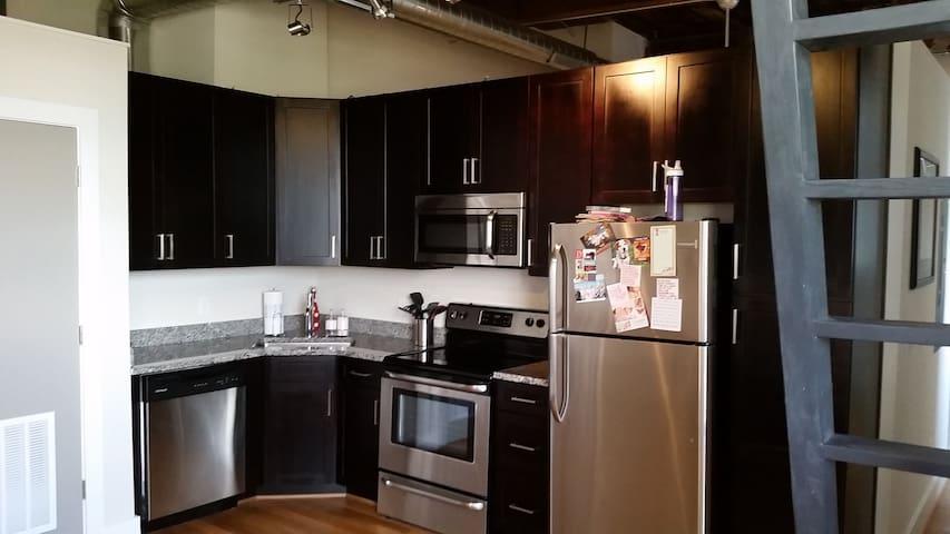 Modern loft in downtown Lynchburg - Lynchburg - Apartemen