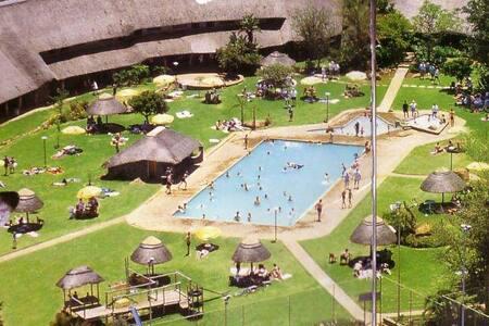 Dikhololo Resort Hartebeespoort - Brits
