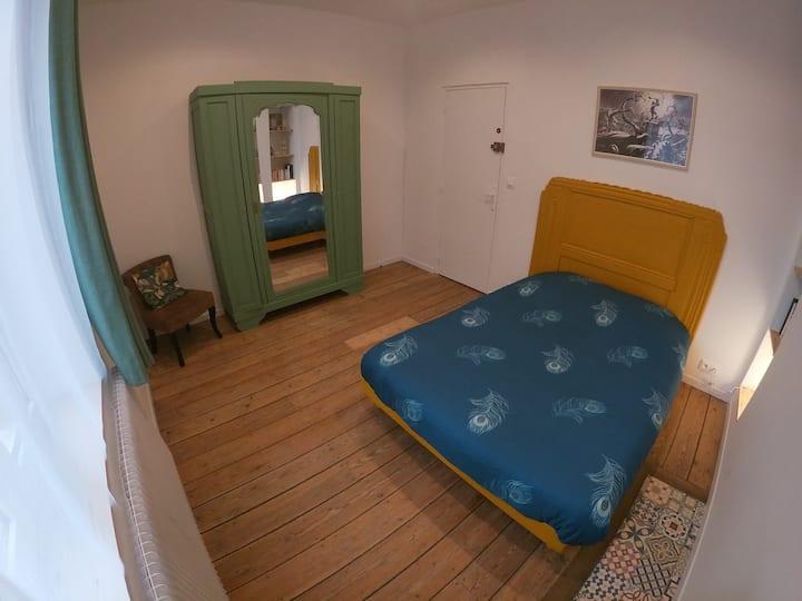 """Chambre #3  """"Chez Muguette"""" proche gare et centre"""