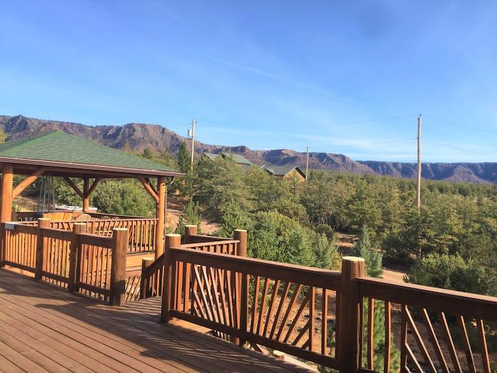 Treehouse Cabin +LOCKOUT, Creek, 360 Views