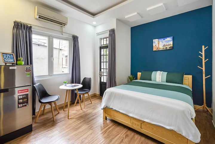 K102 ST Simply Lovely Room at Center of SaigonCity