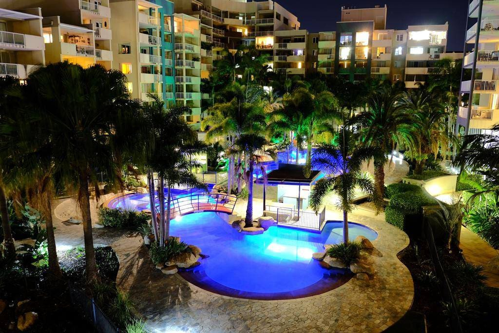 Tropical Oasis In The Heart Of Brisbane City Condominiums For Rent In Fortitude Valley