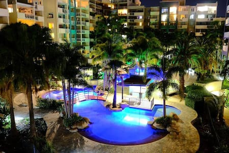 Tropical Oasis In The Heart Of Brisbane City - Fortitude Valley - Apartament