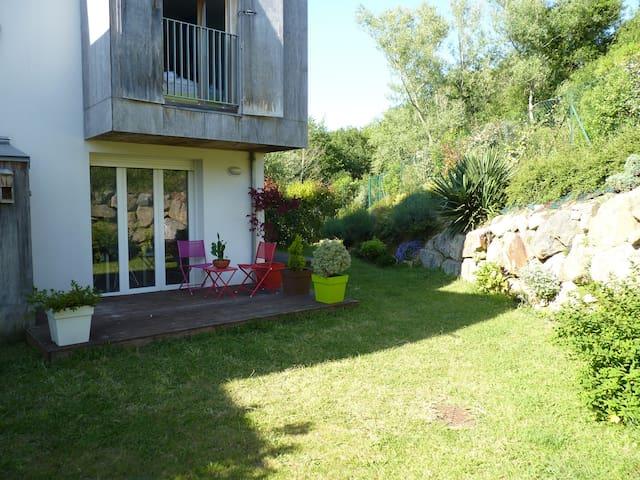 Maison T4 - jardin et parking privé - Bayonne - Huis