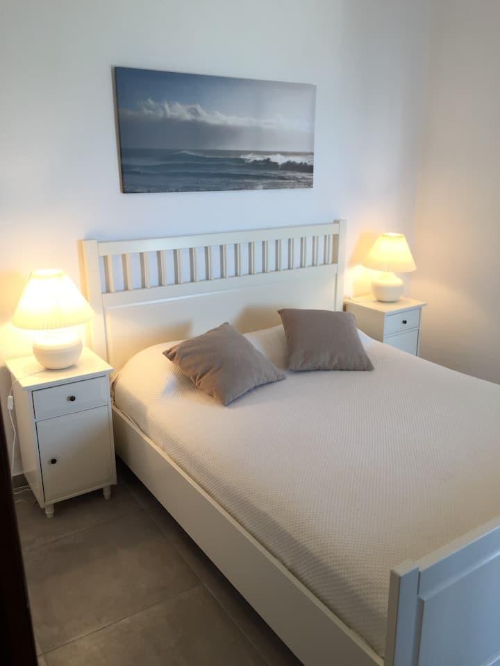 Elegant 2 bedroom apartment on the beach