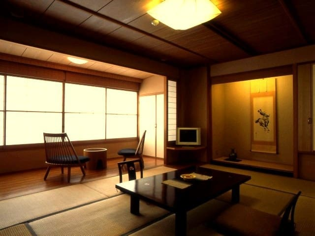 Ryokan Ayunosato - 【2-3 guests】Japanese western room with outdoor spa (8 ㎡+twin bed)(Breakfast ○ / Dinner ○)