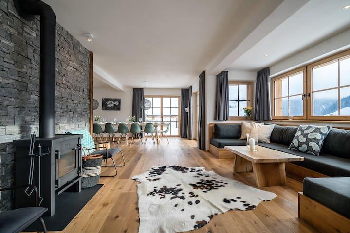 Hochkönig Lodge   Luxury   7BR   6baths   Wellness