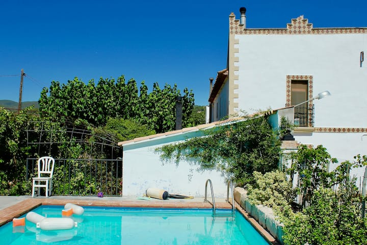 Luxury Eco Wine estate in vineyards near Barcelona