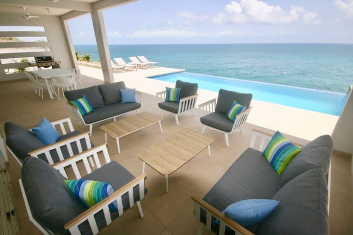 3BR oceanfront villa w/private pool AC throughout