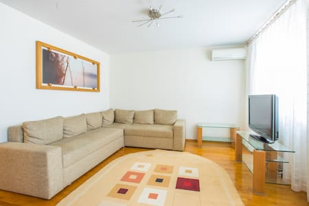 Cozy Apartment in Downtown Chisinau