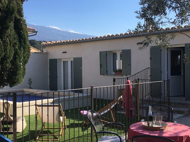 Villa avec piscine et vue Ventoux