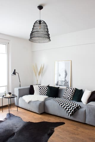Möbiliertes Apartment mit direkter Kö Lage!