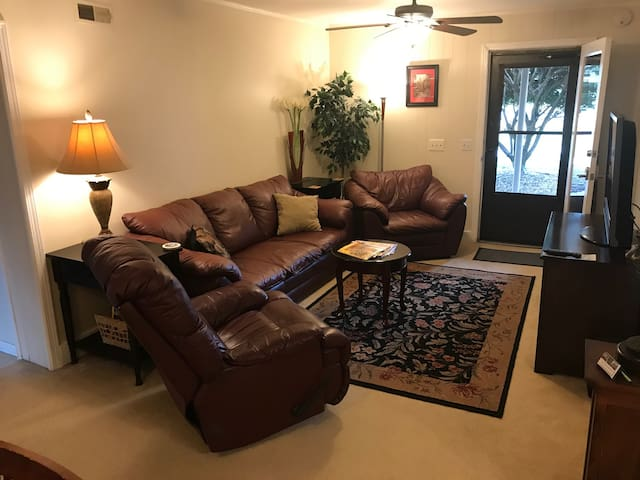 2BR 2BA Close to Downtown/Airport/Opryland Hotel