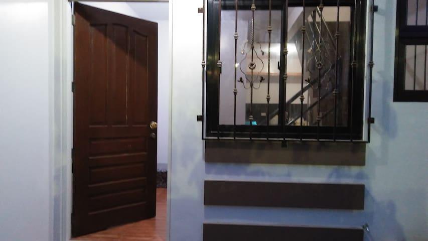 Limay Bataan - Tita Fely's AirCon Apartments