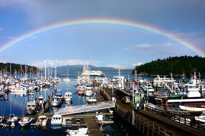 Friday Harbor Boat COMMENCEMENT
