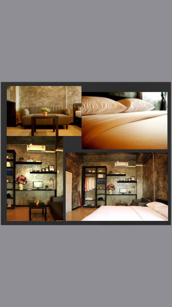 The loft residence ห้อง 402