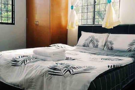 Kota Kinabalu 2 Storey Rumah Kenduri/Event House