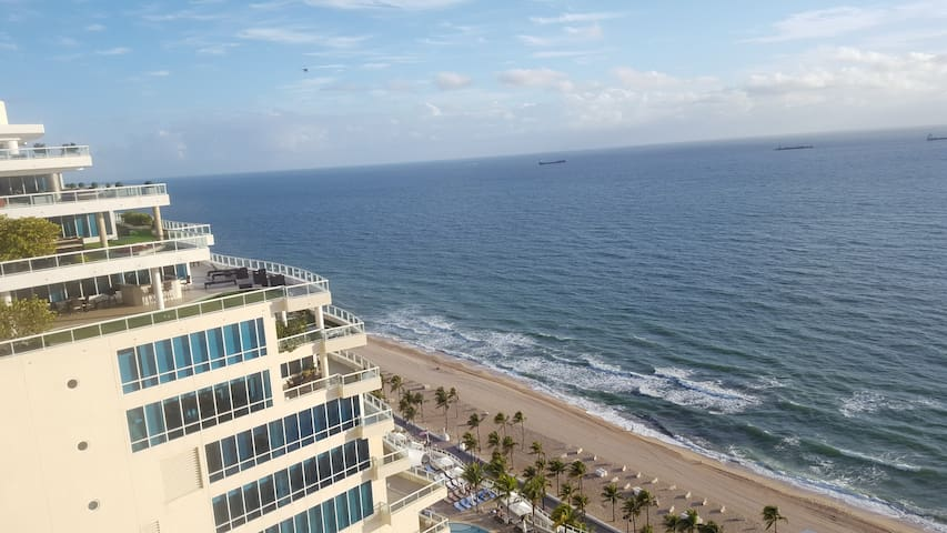 Marriott Bch Pl Tower is steps away from the beach - Fort Lauderdale - Timeshare