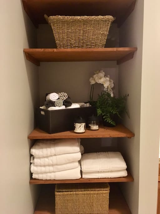 Greenview Retreat - All Towels and Linens Included