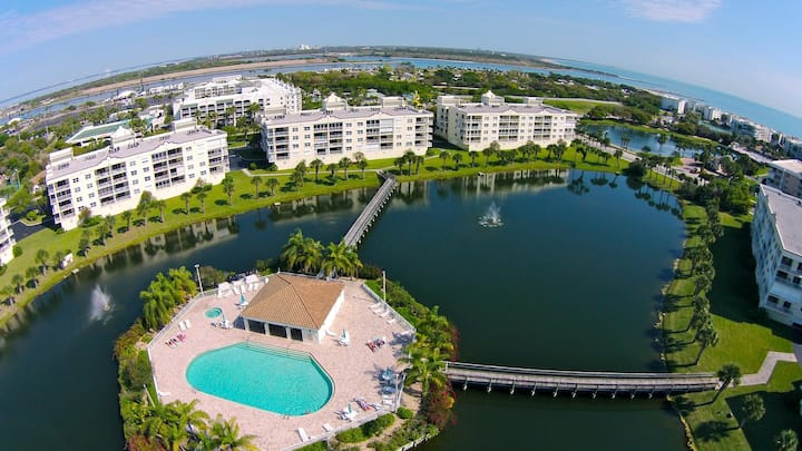 LAKESIDE, 3 BEDROOM, 2 BATH CONDO W/ BEACH ACCESS!