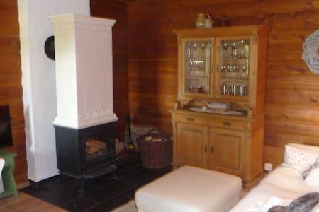 Urgemütliches Haus auf traumhaftem Grundstück - Rödental