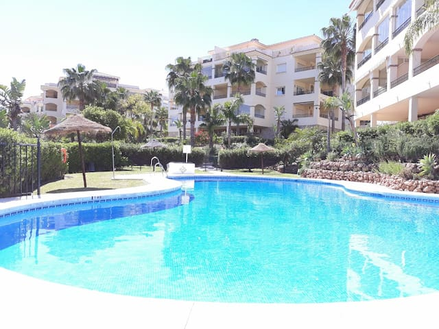 Delightful 2 bedroom apartment in La Cala Hills