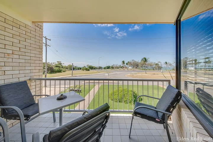 A UNIT WITH STYLE AND VIEWS!