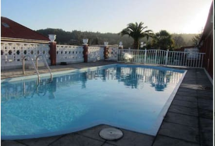 Fantástica finca con vistas al mar y piscina - Sada - House
