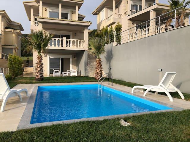 Palms Luxury Greek Villa 2