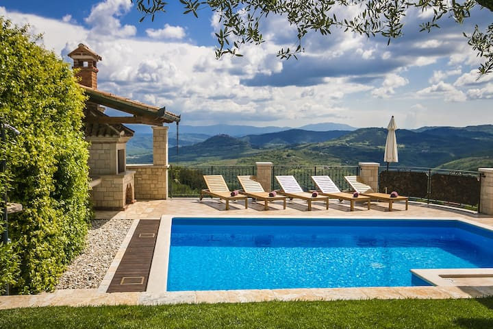 Villa Giorgia with stunning view
