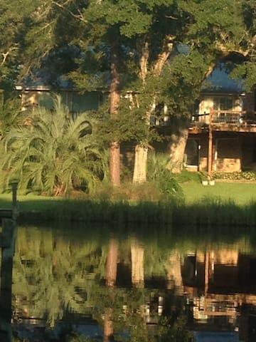 Gulf Hills Neighbor