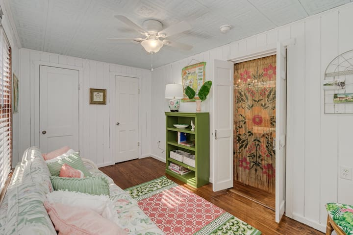 Decompress in our bright and airy Florida room!