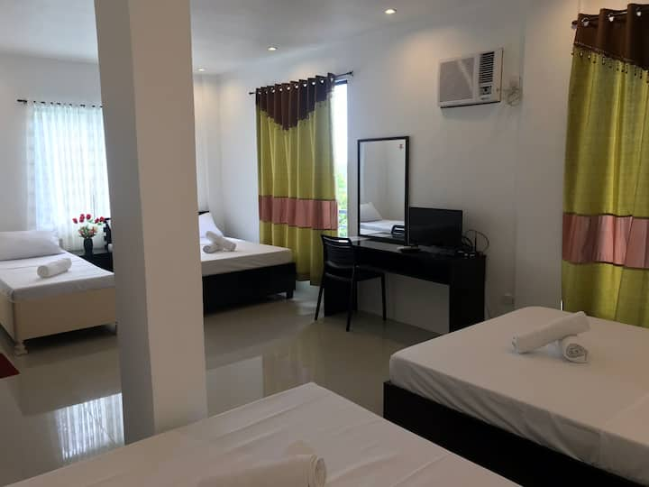 Maniquiz Resort - One Antonio, Tanay (ROOM E)