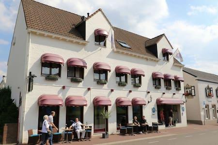 JS Hotel Epen. Prachtige locatie! - Epen - Boutique-Hotel