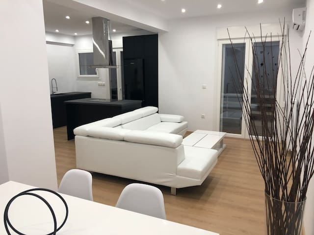 Luxury Minimal  55m2 Apartment near Glyfada center