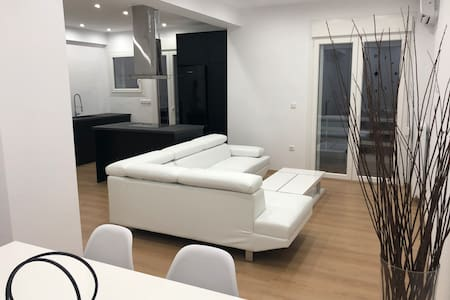 Clean Luxury Minimal apartment  at center Glyfada
