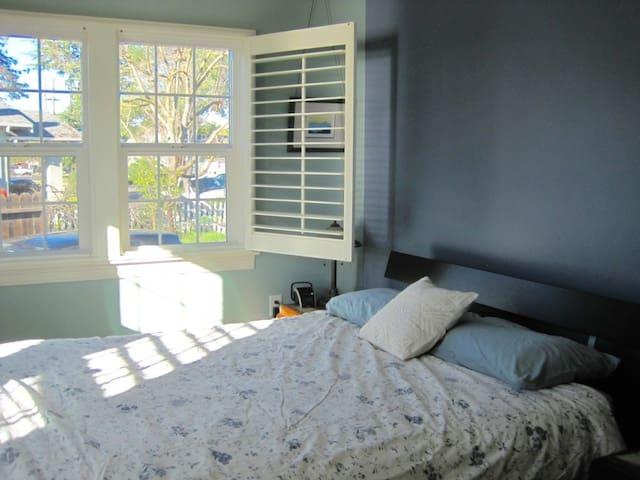Room For Rent Sandia California