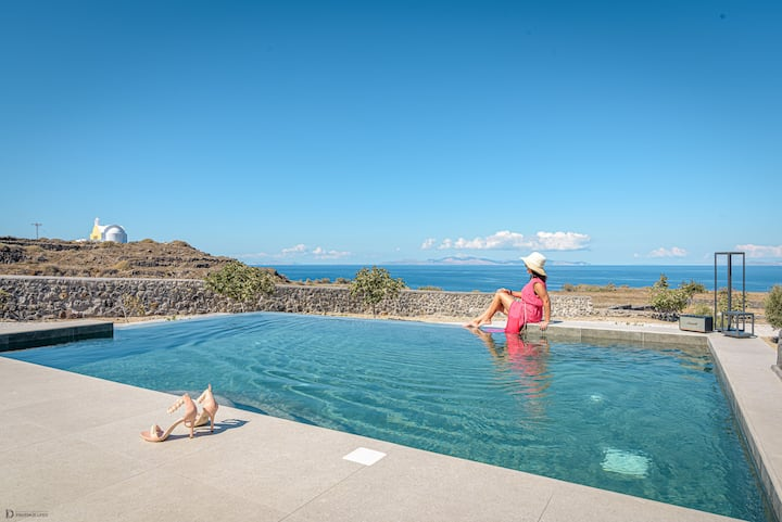 St John Villa in Oia with private heated pool