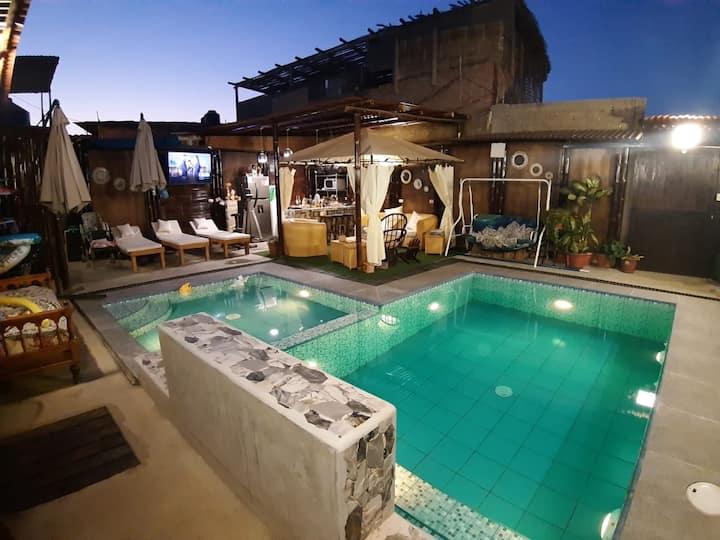 Habitación para 5 personas/baño privado/Tv/piscina