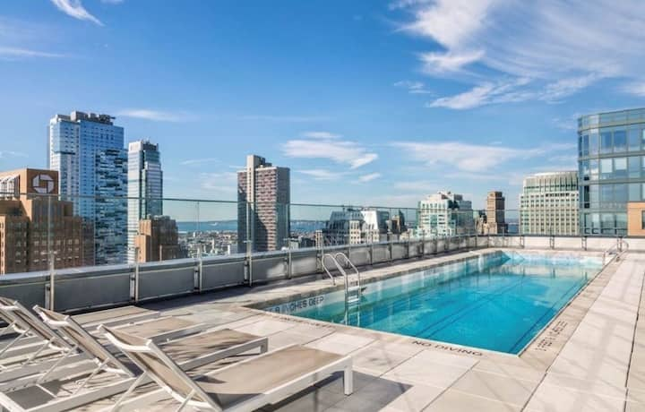 One-Bedroom Luxury Apartment in Downtown Brooklyn